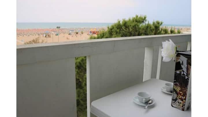 Perffetto Appartamento Vista Mare  Fronte spiaggia