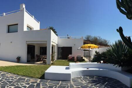 Villa style Ibiza, Torre de Benagalbon, Plage - Torre de Benagalbón - 別荘