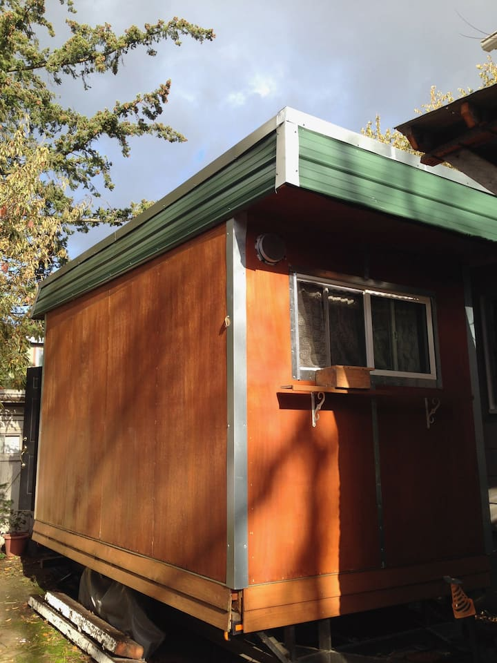 Tiny House/Room/Studio Space in SE Portland