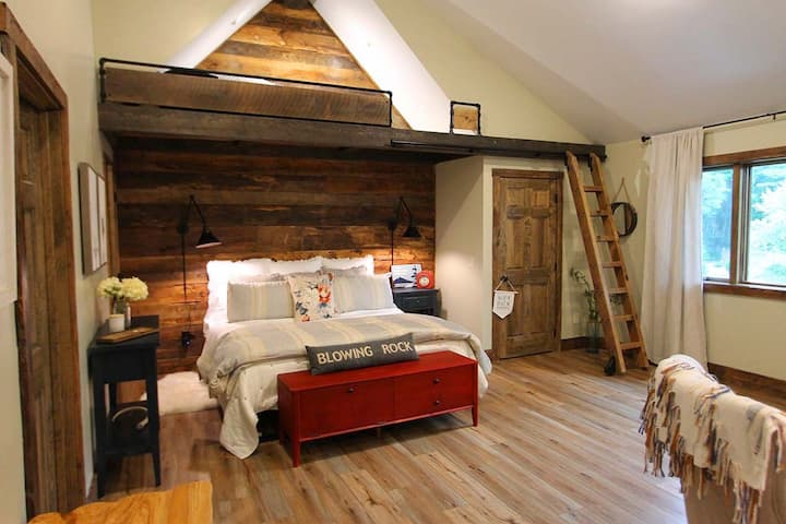 Beautiful Mountain Guest House - New construction!