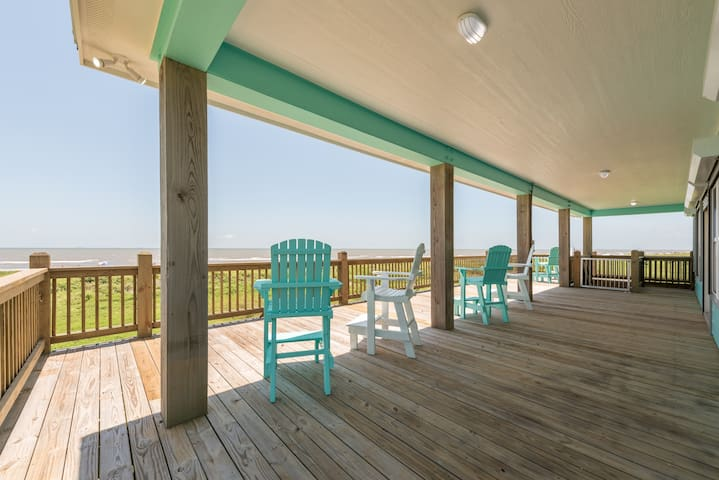 Island Time - Renovated Beach Front Home!