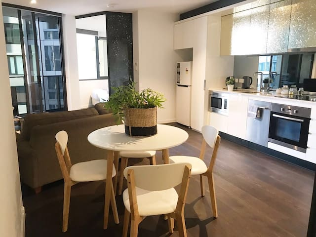Southern cross cozy apartment free tram zone