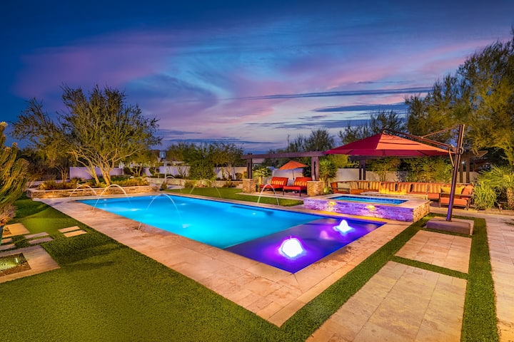 New Listing - Heated Pool, Spa, Game Room, Luxury