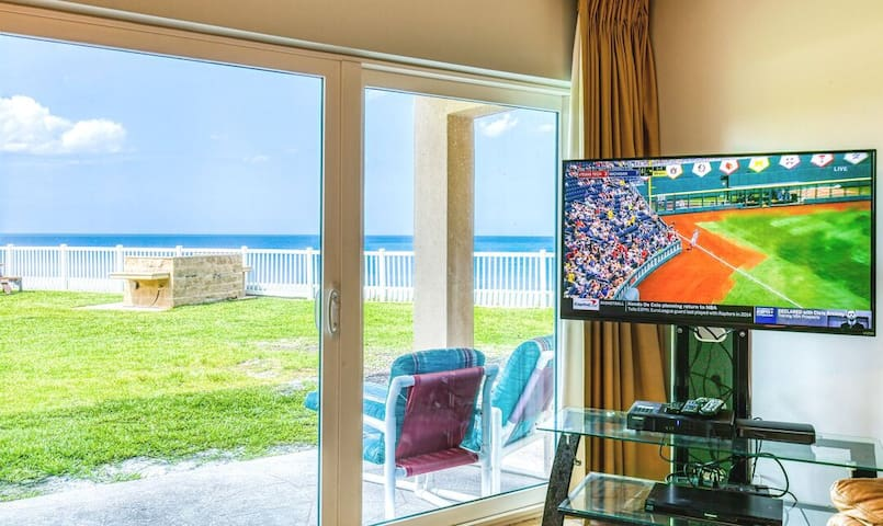 Oceanfront Ground Level with Amazing Ocean Views