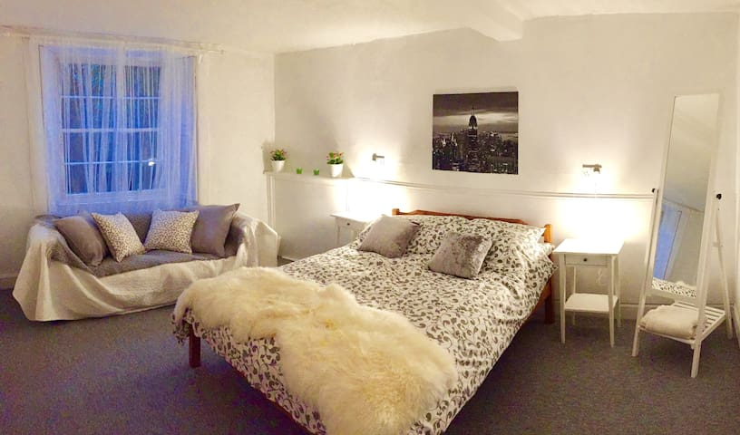 Fab City Centre flat - near Castle & restaurants