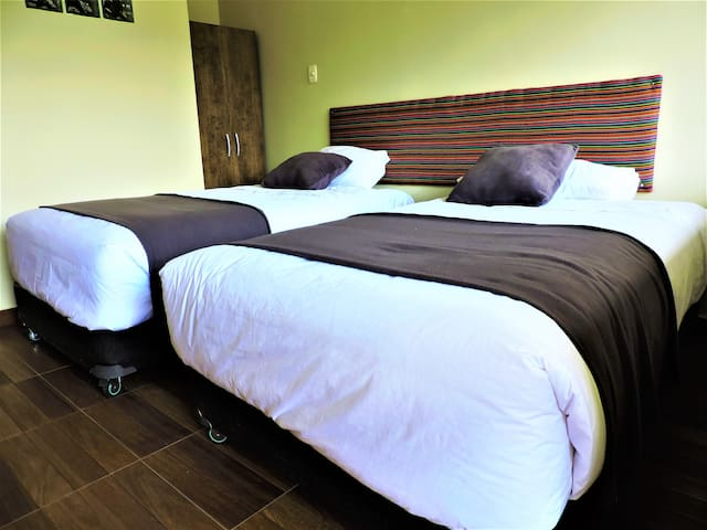 Pikaflor Bed & Breakfast - Tulipan room