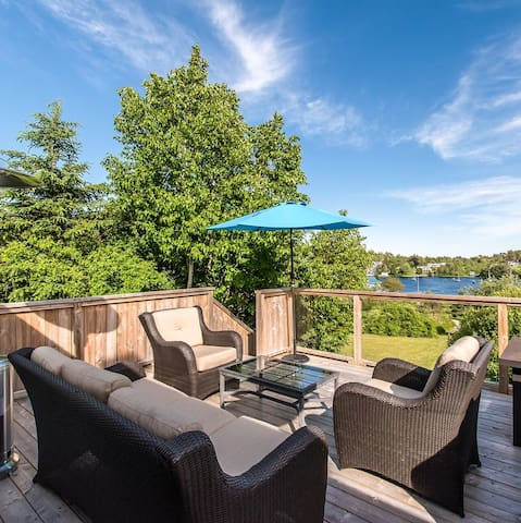 Waterfront cottage in Hubbards with Fabulous Views