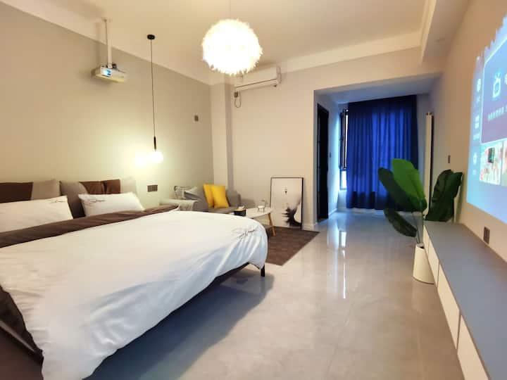 【St.Regis•瑞吉公寓•潺】建业壹号城邦/投影大床房/近摩根360商圈
