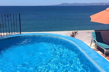 Malecon 1 ocean front studio ! OCEAN VIEW - Puerto Vallarta - Appartamento