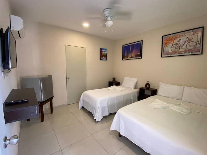 Hotel MEXICO, centro de Cancún, bonito y económico