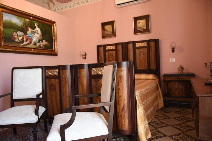 Palazzo storico nel cuore di Gallipoli.