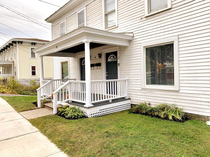 Downtown Middlebury 3 BR Home - Walk Everywhere!
