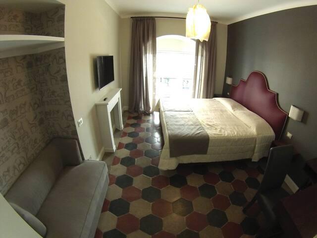 """Residenza Roma Imperiale """"Camera Adriana 2"""""""