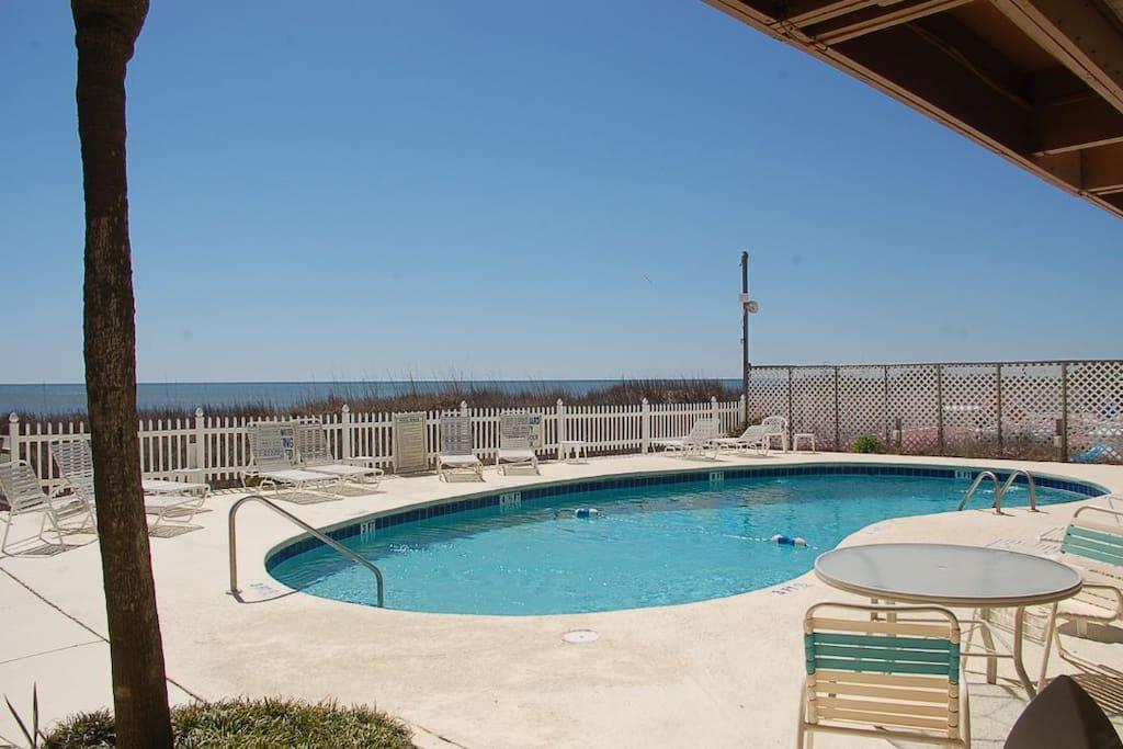 Pool,Water,Jacuzzi,Tub,Resort
