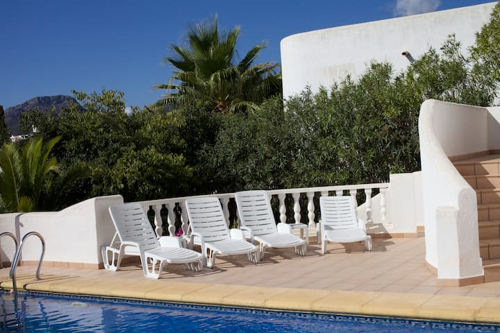 Villa Margarita in stunning Jalon Valley