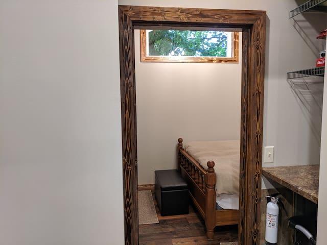 Entry to bedroom, no door