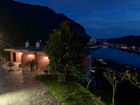 Spectacular view on lake Lugano-one-room apartment