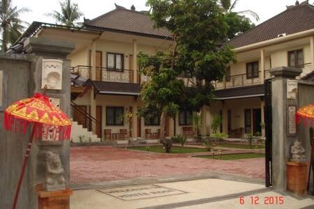 White Rose Guest House - West Lombok Regency