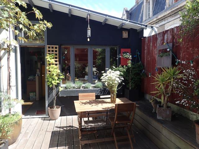 Appartement de charme avec terrasse et garage