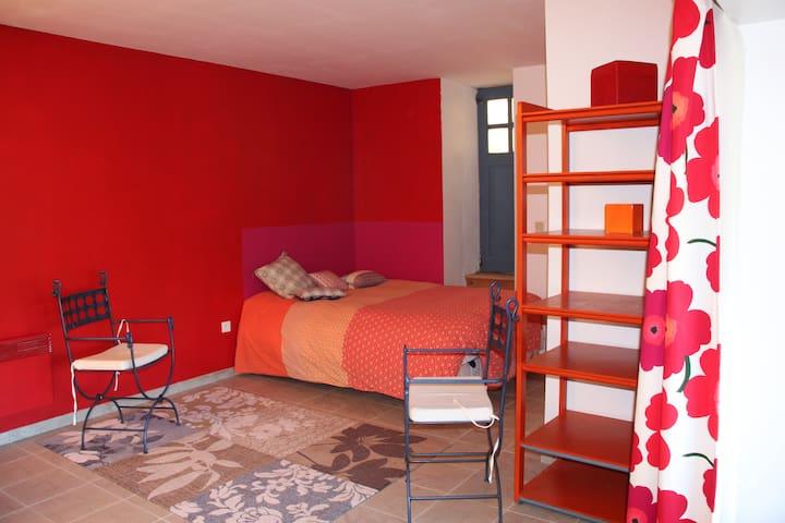 Studio avec terrasse Beaulieu sur Dordogne