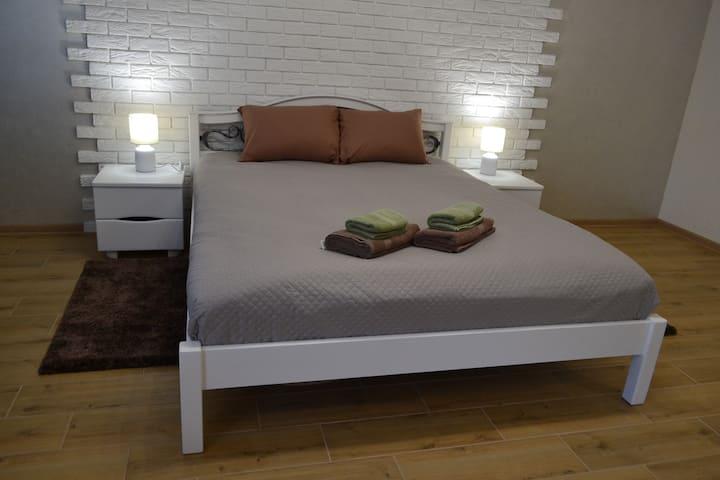 "Apartment ""Provence"" (Апартаменты ""Прованс"")"