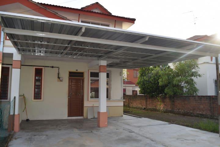 Homestay Sri Nusa - Gelang Patah - Hus
