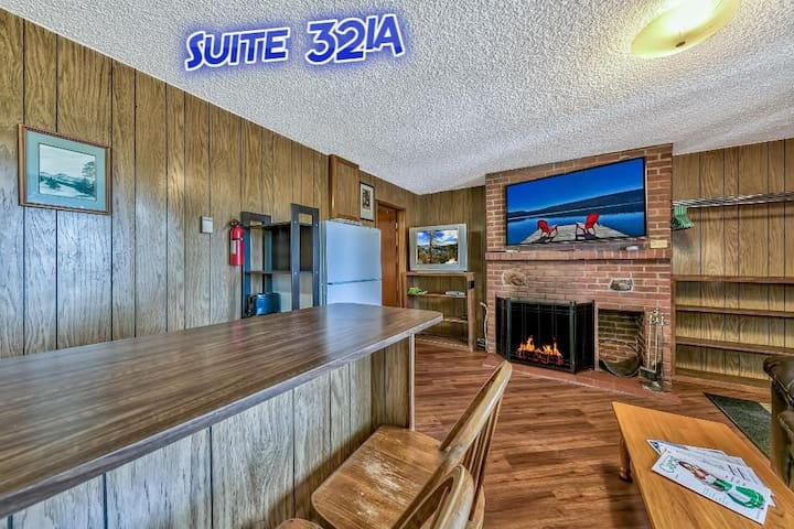 Pine Cone Resort Suite 321A