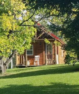 Country Getaway:Pioneer Cabin