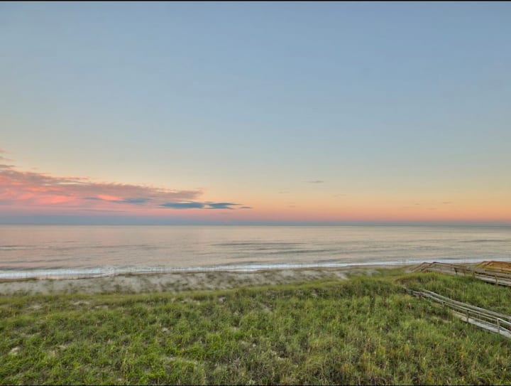Oceanfront Peace and Tranquility - Bella Vista!