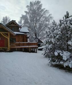 Большой дом рядом с заповедником(Big wooden house)