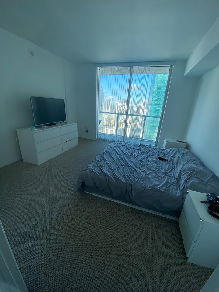Amazing private room in the heart of Brickell