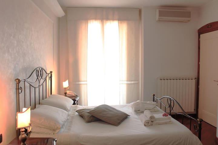Suite Deluxe - B&B Villa Orchidea - Ispica - Bed & Breakfast