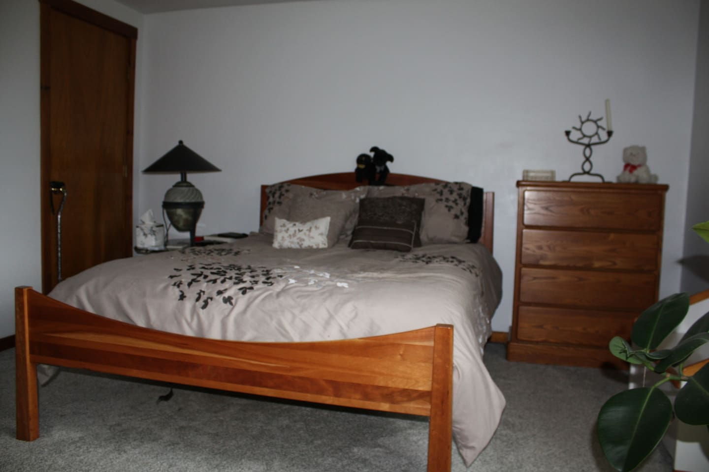 This is the bedroom with queen sized bed.