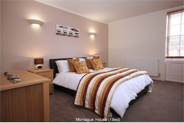 Please note that we have multiple apartments in this development which may differ in decoration and shape. We do however provide same level of quality and functionality across apartments.  On request we will endeavor to provide additional information about the specific apartment you will stay in.