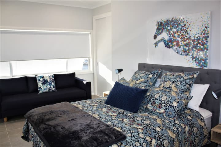Coolah Short Stays - Town View Apartment