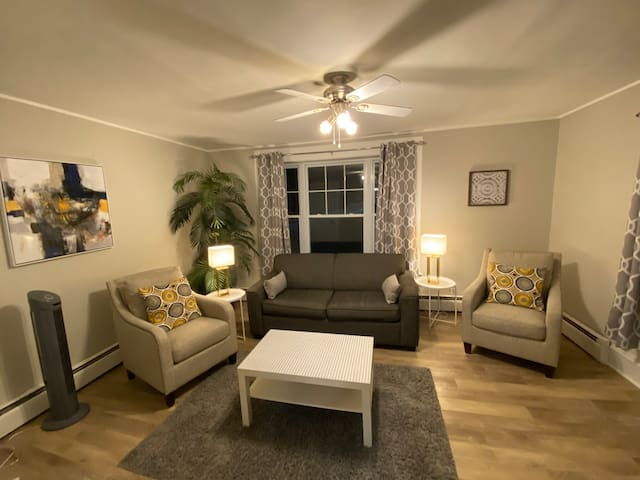 Beautiful Apartment in Kentville with Parking