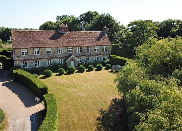 Stunning 17th Century Manor House with Pool