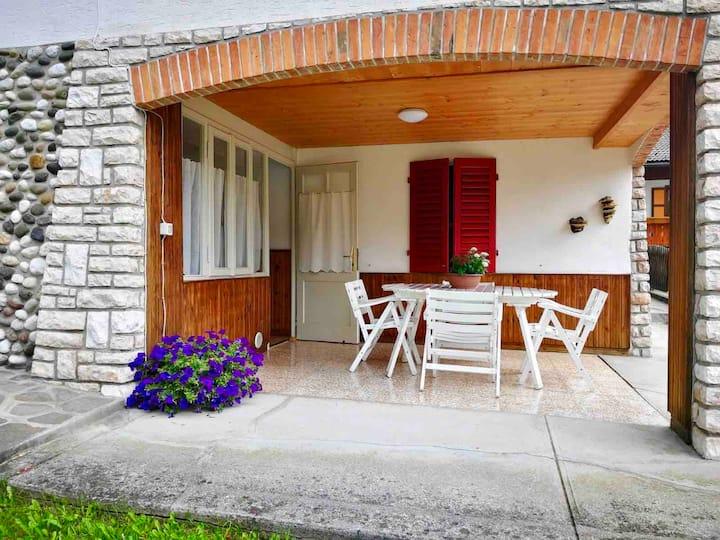 Appartamento con giardino e vista sulla Chiesetta