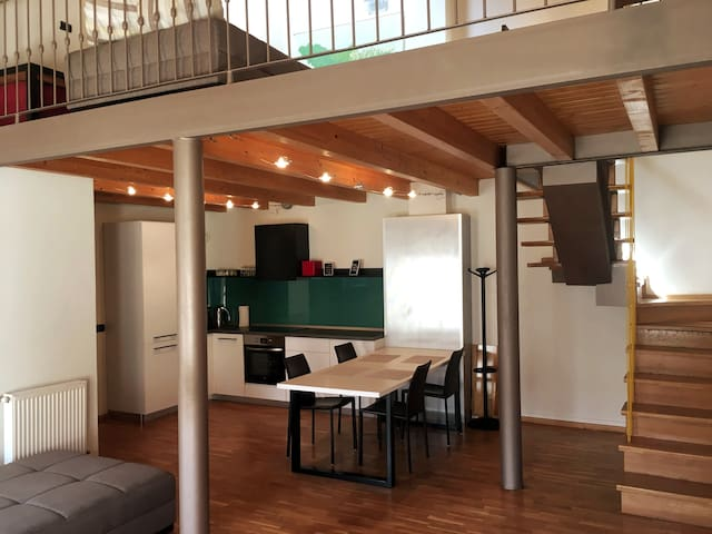 Ultracentral Apartment/Old Town