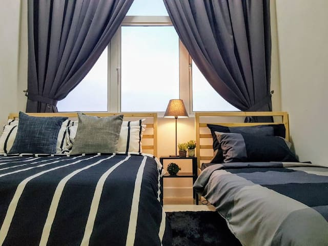 10 Pax Puchong IOI Mall Cozy Apartment Sky.pod