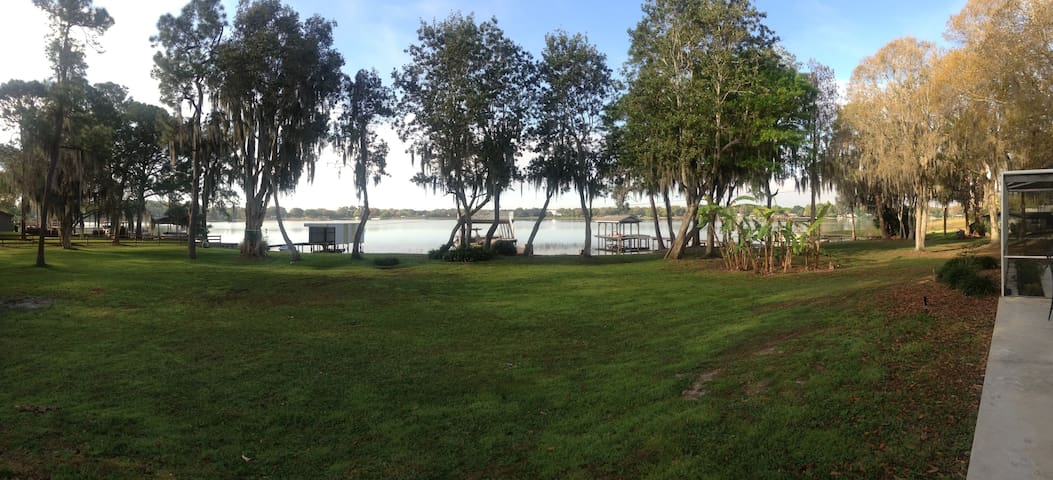 Chain Of 28 Lakes, 40 minutes from Disney - Winter Haven - Talo