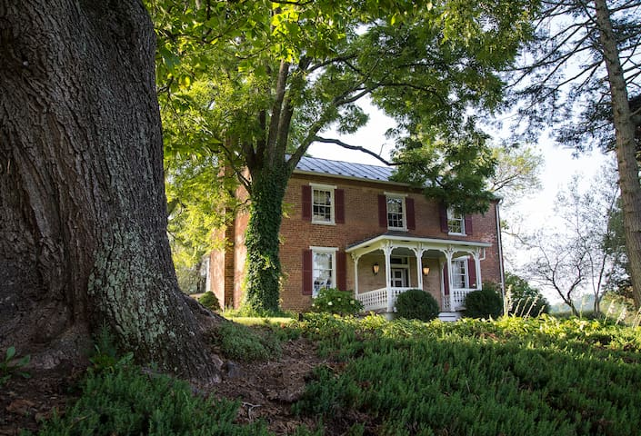 Honeysuckle Hill Estate
