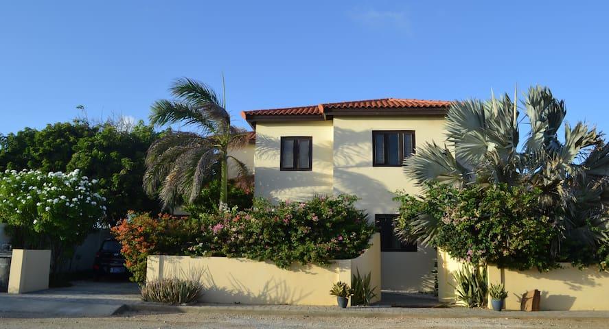 Shoreside Villa on Nature Sanctuary - Noord - Casa