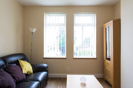 Single room with Shared Bathroom - Port Talbot