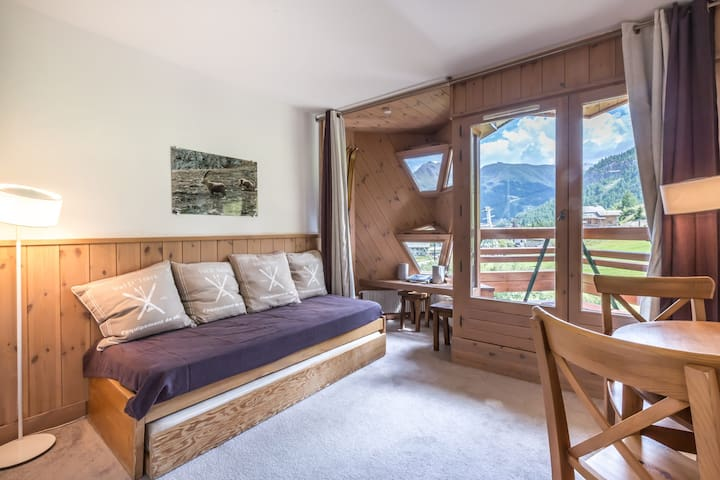 VERY NICE APARTEMENT ENTIRELY RENOVATED ON THE SLOPES