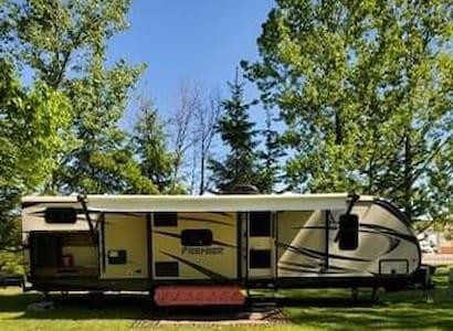 Campers Delight- 2016 Bullet Premier BH Camper