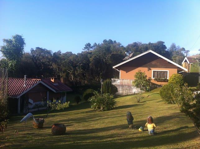 Casa + Churrasqueira + Sossego