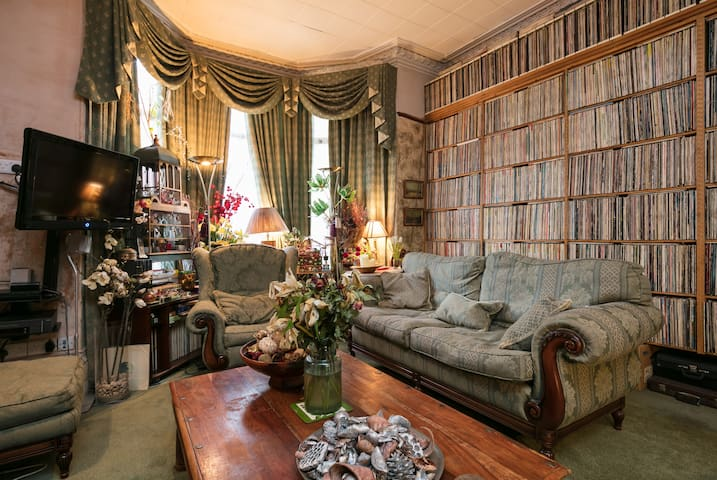 Victorian family home in Liverpool single room