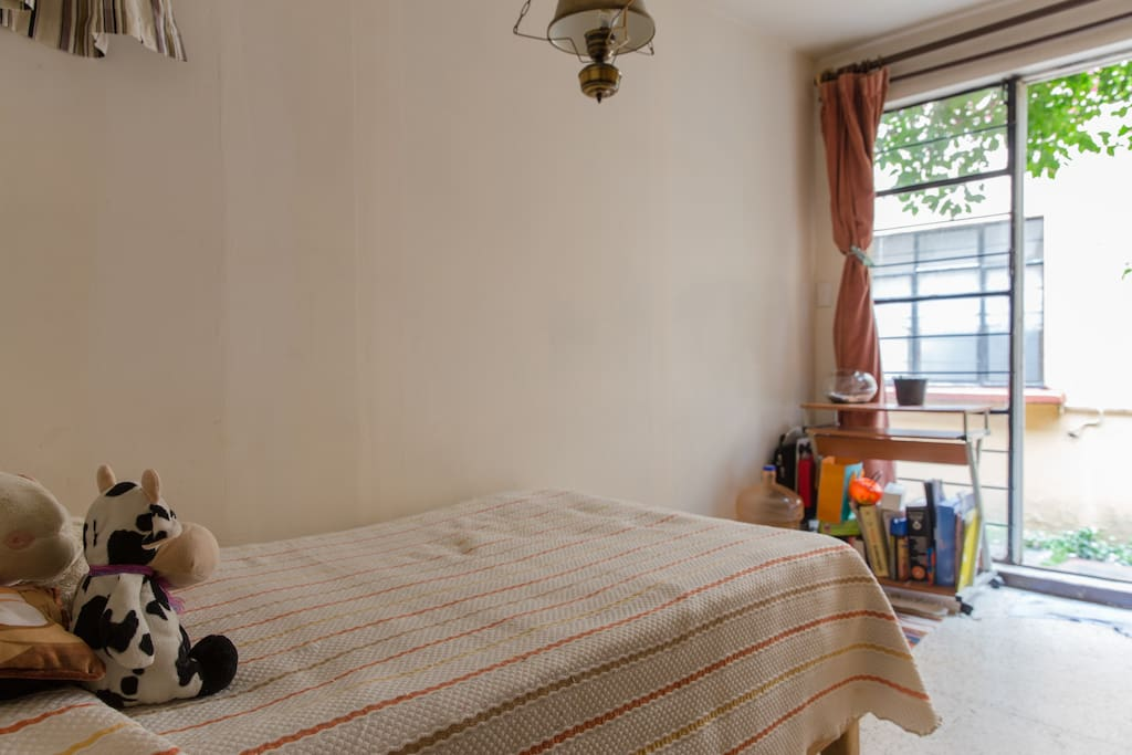 Comfortable!; Room with independent Access to street