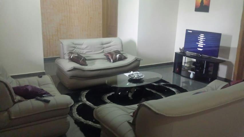 Enjoy our spacious ensuite rooms. - nmai dzorn  - Byt
